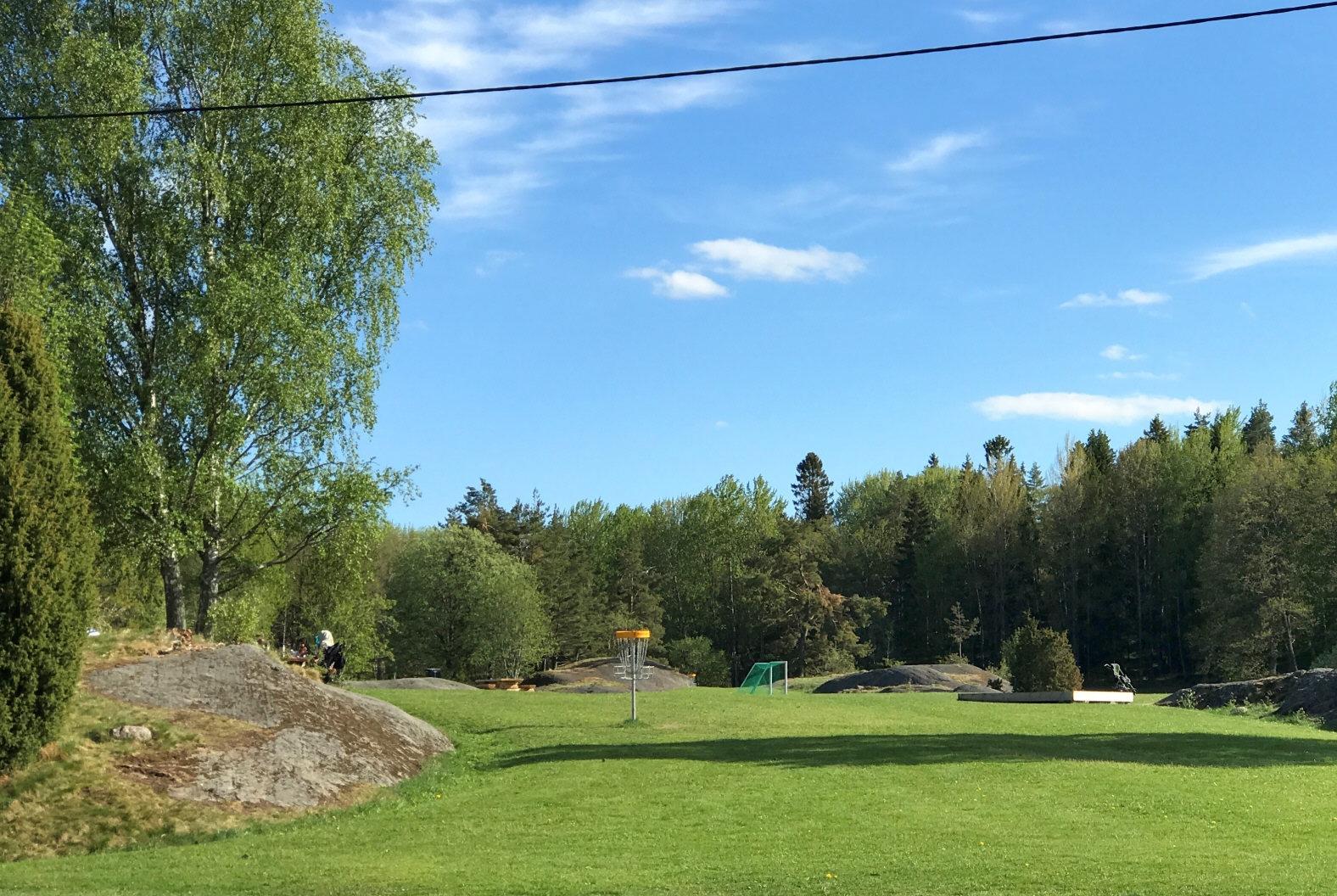 Krusbodas finaste radhus med tomt mot skogsallmänning! Totalrenoverat 2021!